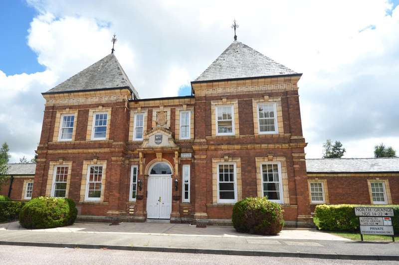 2 Bedrooms Flat for sale in Clyst Heath