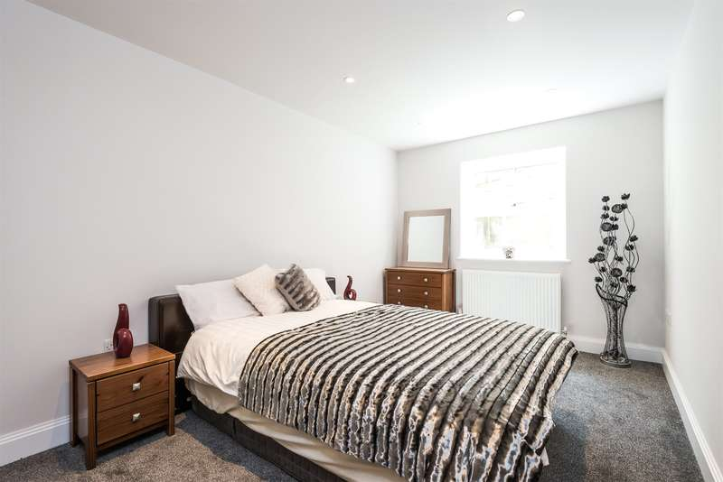 2 Bedrooms Apartment Flat for sale in Albert Road North, Reigate, RH2