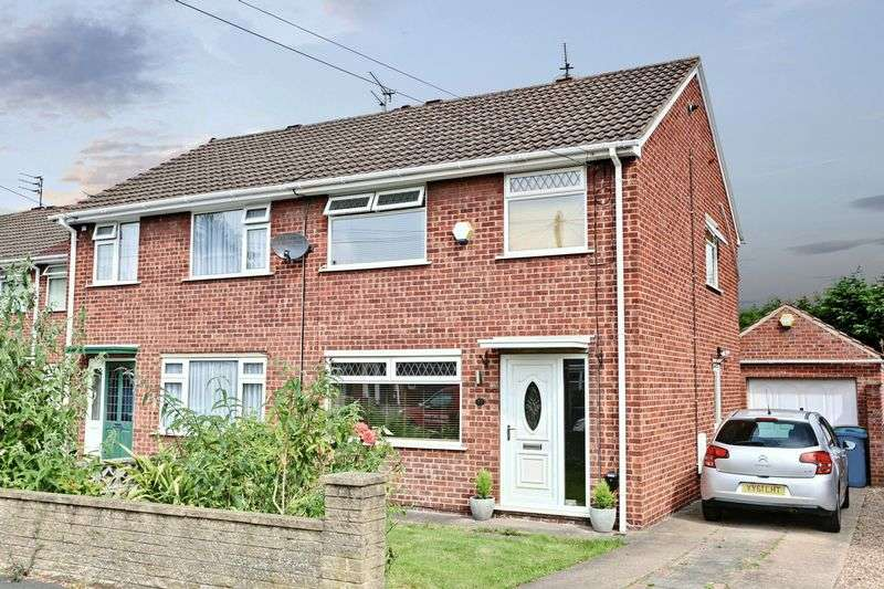 3 Bedrooms Semi Detached House for sale in Welbourn Walk, Hull