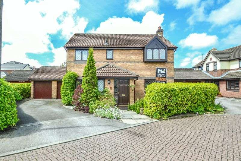 4 Bedrooms Detached House for sale in Fairview Close, Walmer Bridge, Preston