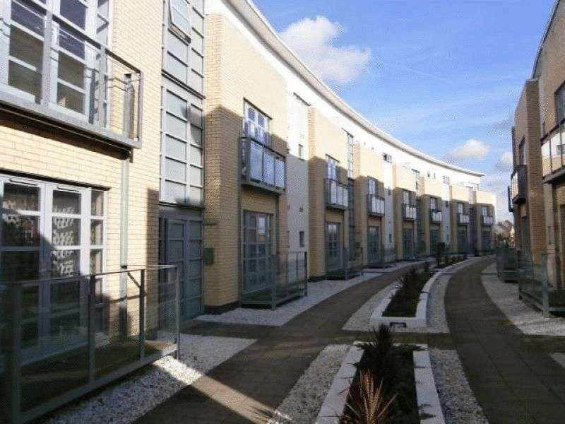 2 Bedrooms Flat for sale in Thames Reach, West Thamesmead