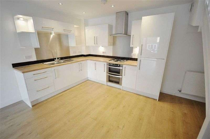 3 Bedrooms House for sale in Grove Street, Heywood