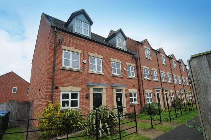 3 Bedrooms House for sale in Adamson Close, Edgewater Park, Warrington