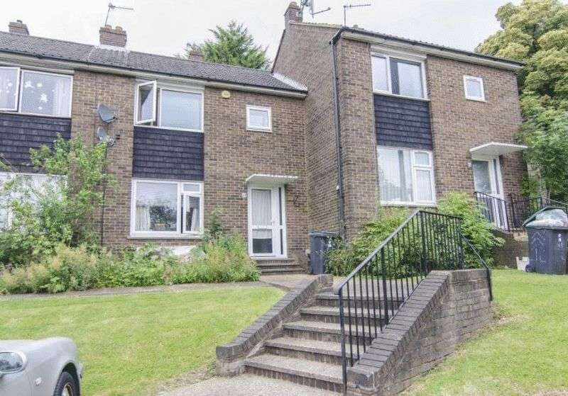 2 Bedrooms Terraced House for sale in Aylmer Road, N2 0PL
