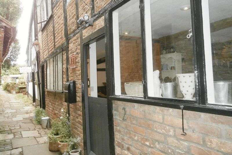 2 Bedrooms Terraced House for sale in Church Street, Tewkesbury