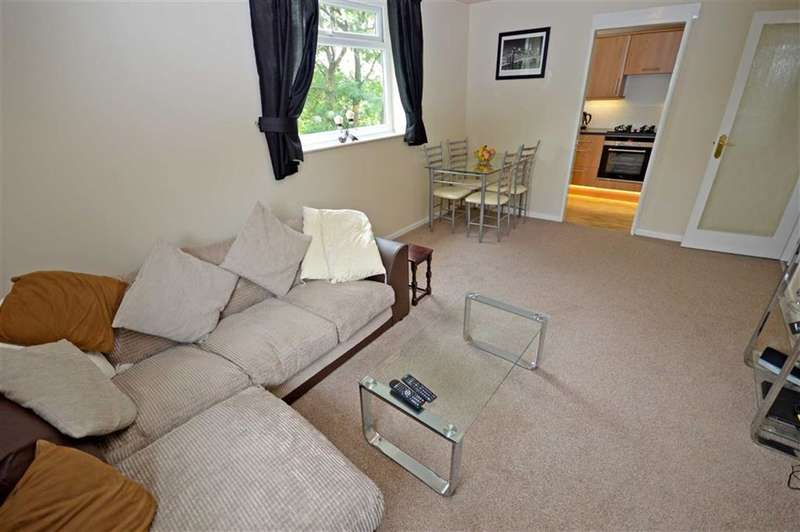 1 Bedroom Flat for sale in CHATSWORTH COURT, 35 Devonshire Park Road, Stockport, Cheshire, SK2