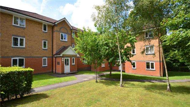 2 Bedrooms Apartment Flat for sale in Masefield Gardens, Crowthorne, Berkshire