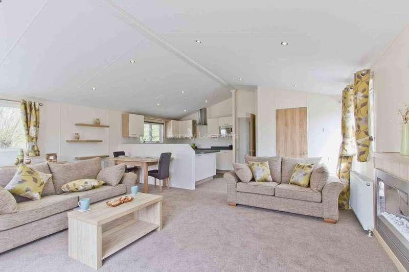 2 Bedrooms Lodge Character Property for sale in Chichester, West Sussex