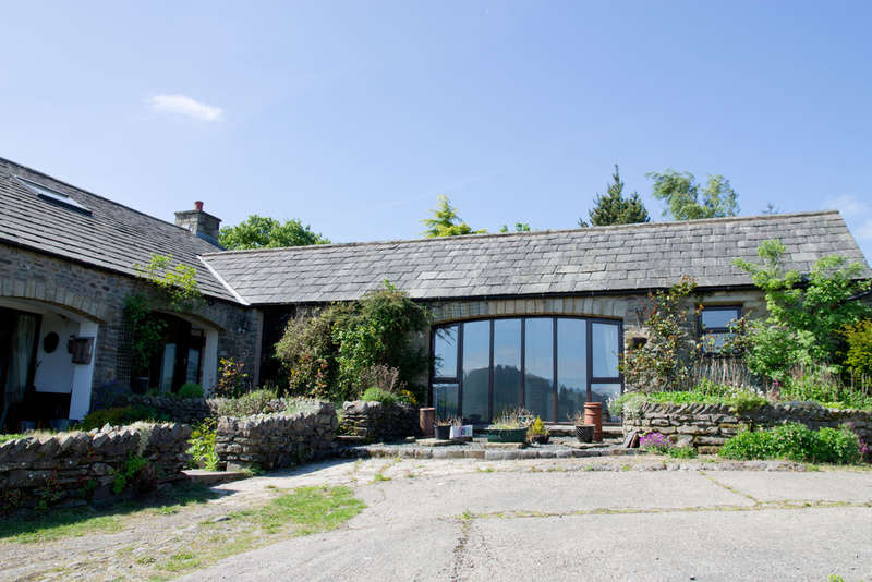 4 Bedrooms Unique Property for sale in Lakethwaite Barn, Lowgill, Kendal, Cumbria LA8 0BH