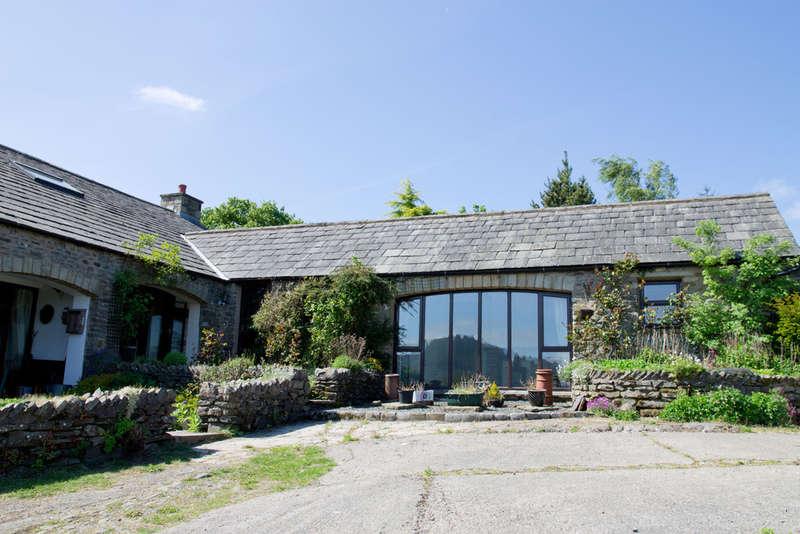 4 Bedrooms Unique Property for sale in Lakethwaite Barn, Lowgill, Kendal, Cumbria LA8 0BH