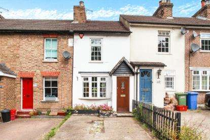 2 Bedrooms Terraced House for sale in Warley, Brentwood, Essex