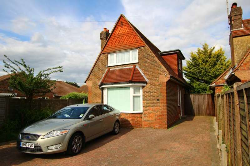 3 Bedrooms Detached House for sale in Coppice Avenue, Willingdon, BN20 9PN