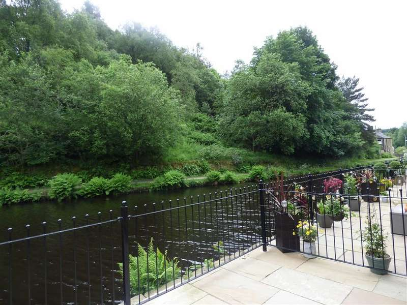 3 Bedrooms Property for sale in Plot 9 Victoria Quay, Wool Road, Oldham, OL3