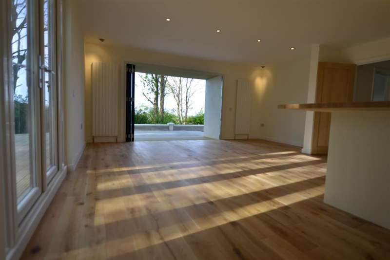 5 Bedrooms Detached House for sale in Downs Valley Road, Woodingdean , Brighton, East Sussex