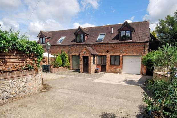4 Bedrooms Semi Detached House for sale in High Street, Great Missenden, Buckinghamshire