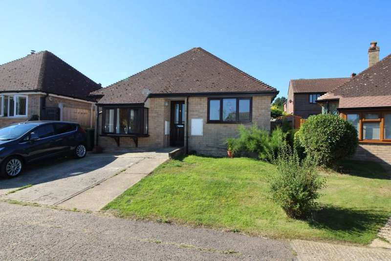 2 Bedrooms Detached Bungalow for sale in Homefield Way, Earls Colne