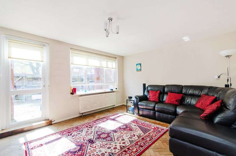 3 Bedrooms Terraced House for sale in Arnold Road, Northolt, UB5