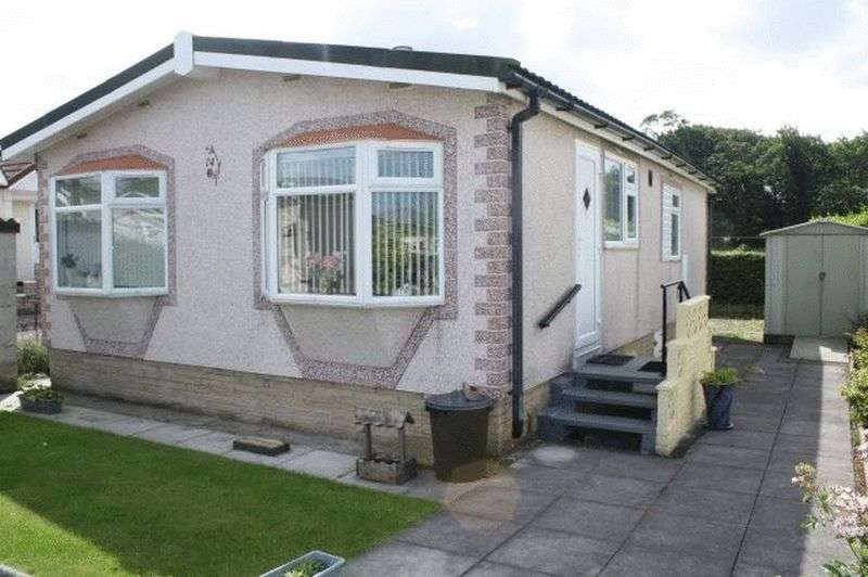 2 Bedrooms Property for sale in 24 Third Avenue, Woodside Park, Stalmine, Lancashire, FY6 0PW