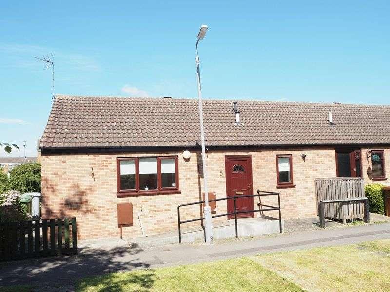 2 Bedrooms Semi Detached Bungalow for sale in Everest Court, Balderton