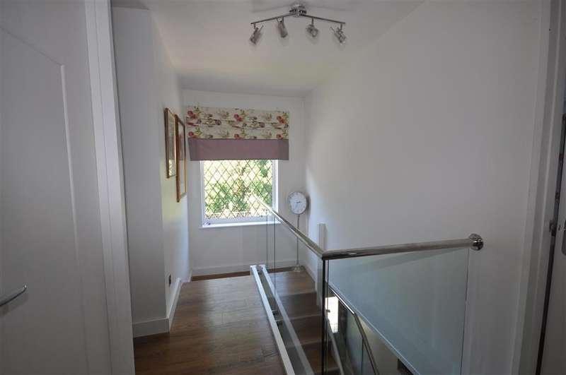 4 Bedrooms Detached House for sale in Curtis Wood Park Road, Herne Bay, Kent