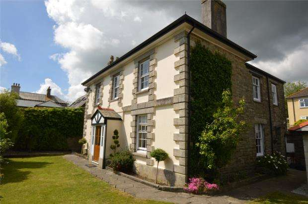 4 Bedrooms Detached House for sale in Greenbank Lane, Liskeard, Cornwall