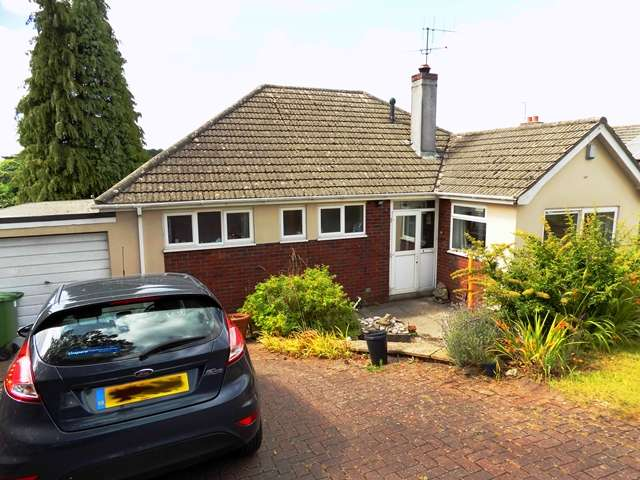 3 Bedrooms Bungalow for sale in Barton Road, Torquay