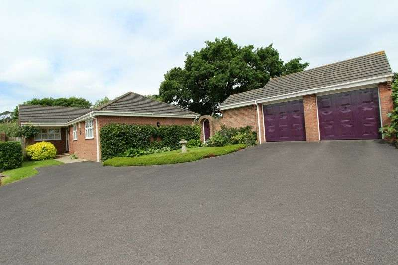 3 Bedrooms Detached Bungalow for sale in OLD MANOR GARDENS, COLYFORD
