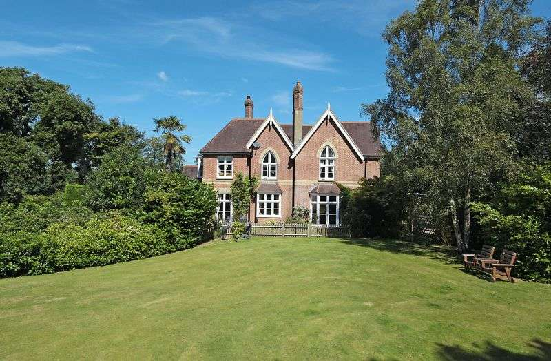 6 Bedrooms Detached House for sale in Little London Road, Cross In Hand, East Sussex