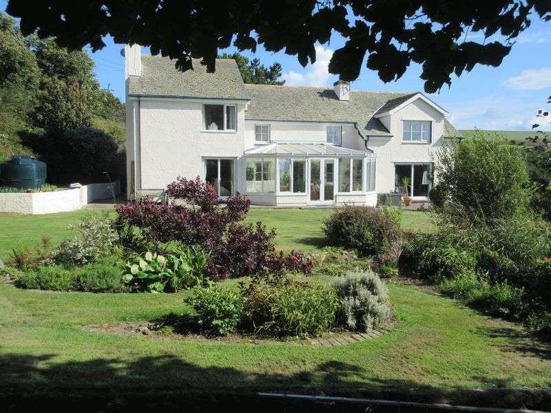 4 Bedrooms Detached House for sale in Llaneilian, Amlwch