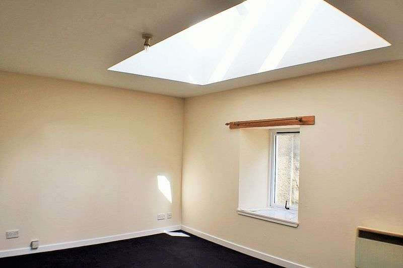 2 Bedrooms Property for sale in Bonnygate, Cupar, KY15 4BU