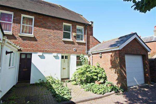 3 Bedrooms End Of Terrace House for sale in Dane John Mews, Canterbury
