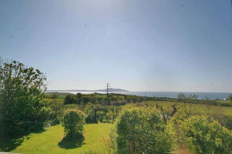 3 Bedrooms Detached House for sale in Llanfaethlu, Anglesey