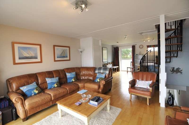3 Bedrooms Town House for sale in Ffordd Glyder, Y Felinheli, Gwynedd, LL56