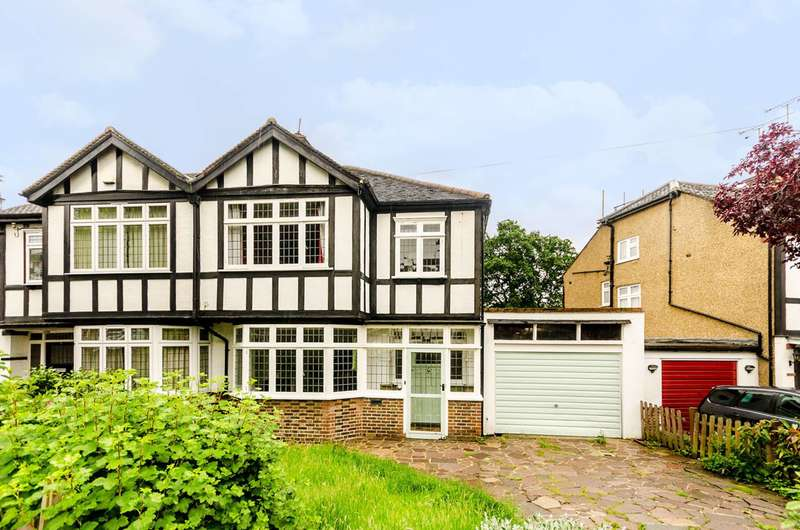 3 Bedrooms Semi Detached House for sale in The Chase, Bromley South, BR1