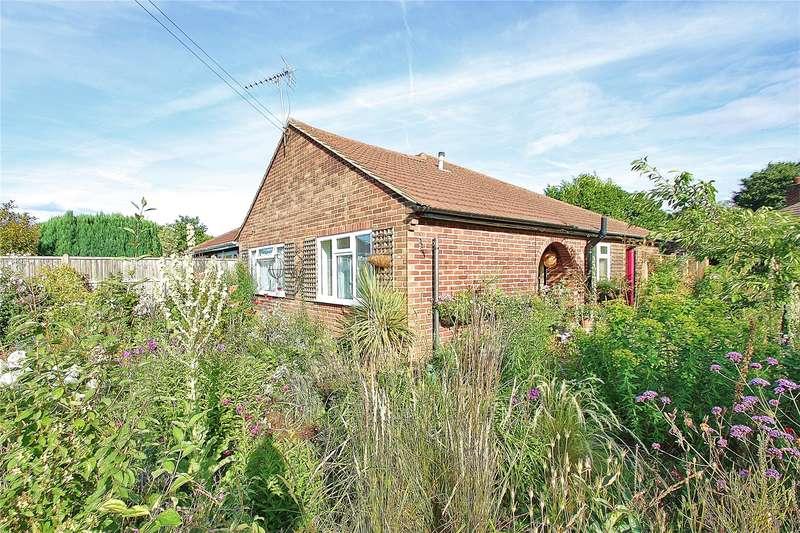 2 Bedrooms Semi Detached Bungalow for sale in Clinton Close, Knaphill, Woking, Surrey, GU21