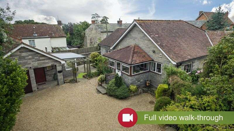 2 Bedrooms Detached Bungalow for sale in High Street, Curry Rivel, Langport