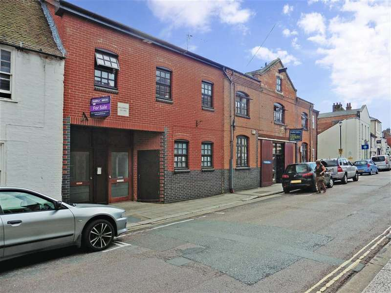 1 Bedroom Apartment Flat for sale in Lugley Street, Newport, Isle of Wight