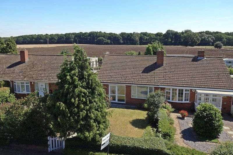 2 Bedrooms Semi Detached Bungalow for sale in Flitwick