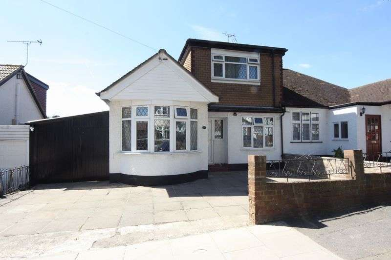 3 Bedrooms Semi Detached Bungalow for sale in Farndale Crescent, Greenford