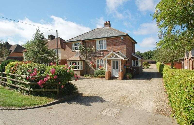 3 Bedrooms Detached House for sale in Great Kingshill
