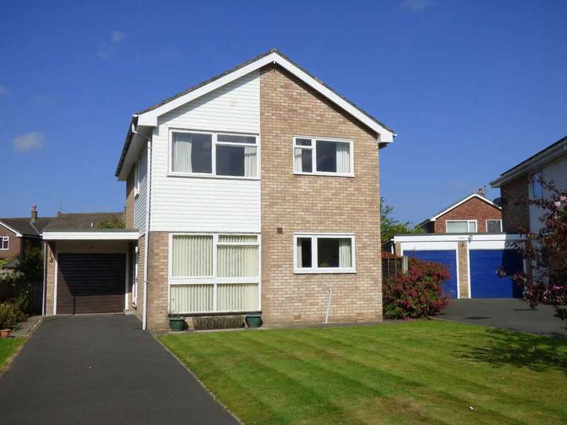 4 Bedrooms Detached House for sale in Applewood Close, Lytham Hall Park, Lytham