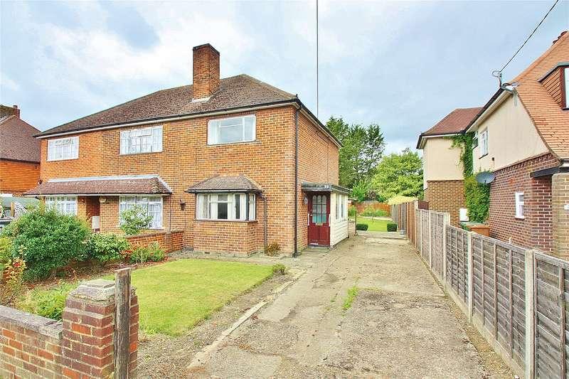 2 Bedrooms Semi Detached House for sale in Kings Road, West End, Woking, Surrey, GU24
