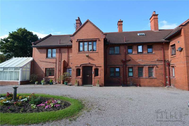 2 Bedrooms Flat for sale in Baskervyle Road, Heswall, Wirral