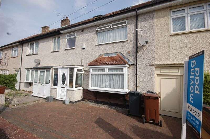 5 Bedrooms Terraced House for sale in Bell Farm Avenue, Dagenham