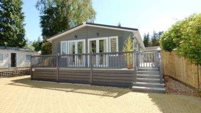 3 Bedrooms Bungalow for sale in Sandford, Poole, Dorset