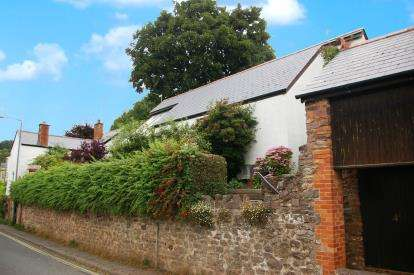 2 Bedrooms Bungalow for sale in Wiveliscombe, Taunton, Somerset