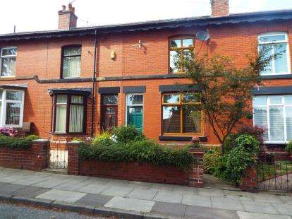 3 Bedrooms Terraced House for sale in Laurel Street, Tottington, Bury, Greater Manchester, BL8