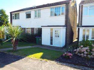 3 Bedrooms Semi Detached House for sale in Fremantle Road, Sandgate, Folkestone, Kent