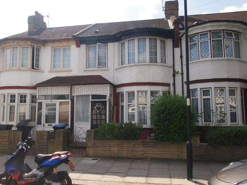 2 Bedrooms Terraced House for sale in Princes Avenue, Palmers Green, N13