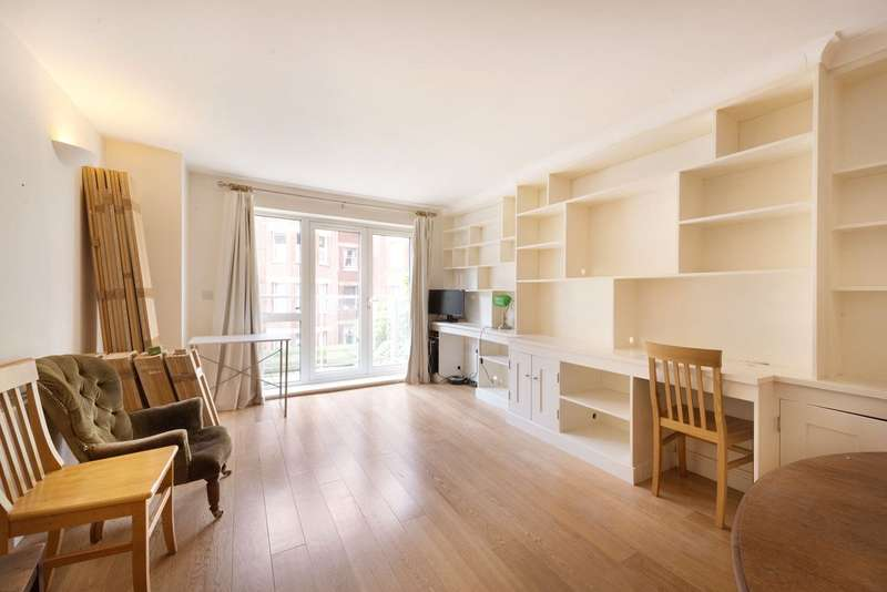 2 Bedrooms Flat for sale in Drapers Court, 59 Lurline Gardens, London, SW11